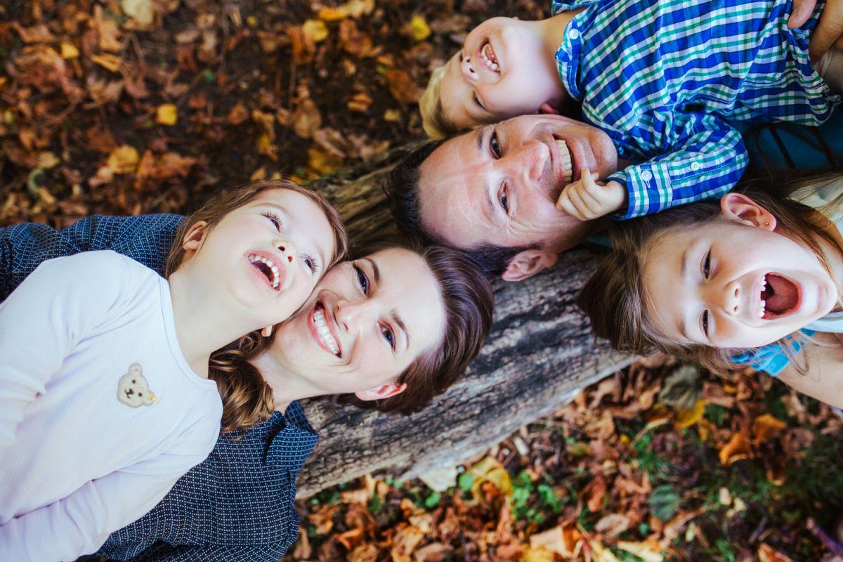 ungestellte familienfotos